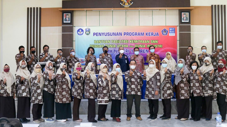 Bantuan Fasilitasi Kemitraan SMK dengan Dunia Usaha dan Dunia Industri SMK Negeri 1 Turen Tahun 2021