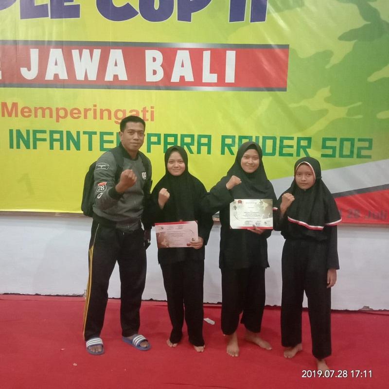 Tim pencak silat SMKN 1 Turen menorehkan prestasi dalam event silat Apple Cup 2 se Jawa Bali